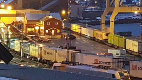 AVSPORING: Toget som kom fra Oslo til Fagernesterminalen søndag kveld sporet av.