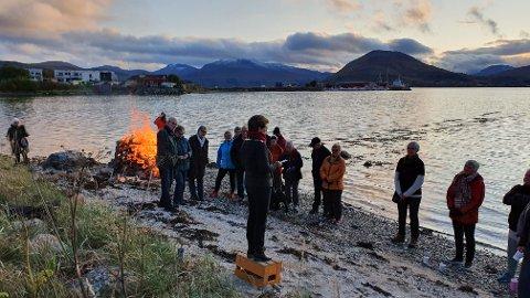 Cirka 40 deltok i markeringen på Evenskjer.