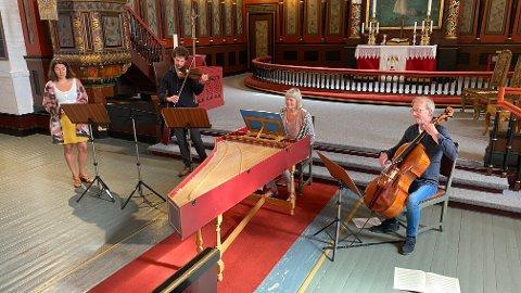 SPILLER: Willem Mathlener, Soetkin Baptist, Hans-Urban Andersson og Ingjerd Grøm holder konsert i forbindelse med Sommer-Narvik 2020.