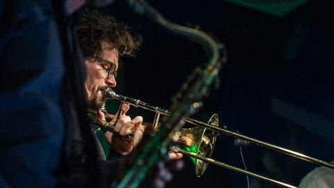 Trombonisten og bandlederen Øyvind Brække har en original og unik musikalitet og skaperevne som komponist og musiker. Han beveger seg i et melodisk jazzlandskap med røtter til både amerikansk jazz og skandinaviske uttrykk og kammermusikk-inspirasjon fra vestlig klassisk musikk, samt noen folke- elementer.