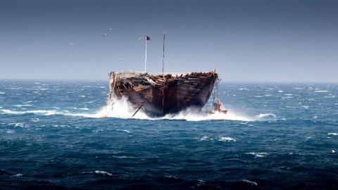 FOSSER FRAM: Polarskuta Maud har blitt fraktet hele den lange veien fra stedet hun sank, utenfor kysten av Canada, til Norge. Fredag kommer hun til Horten.