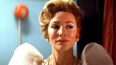 KONSERVATIV: Hun eier skjermen fra første sekund i rollen som Phyllis Schlafly.