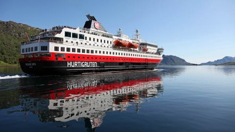 STORT PROSJEKT: Et samarbeidsprosjekt mellom Kongsberg Maritime og Myklebust Verft vil konvertere tre Hurtigruten-fartøy til hybridfartøy - som en del av planene om å redusere kystens karbonutslipp med minst 25 prosent.