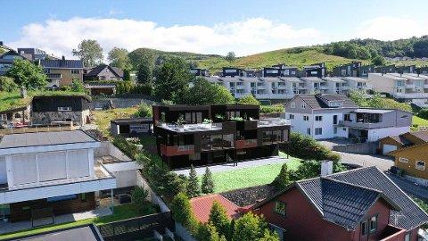 Haga bolig planlegger to nye eneboliger i Ålgårdsveien. Nå er den ene solgt, og dermed starter de byggingen av begge (illustrasjon: Haga bolig).