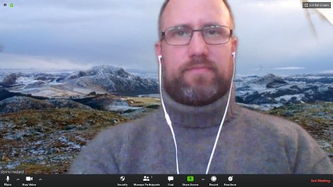 Når Øyvind Hadland i helga deltar på det digitale landsmøtet til Miljøpartiet De Grønne, er det med bilder av Gjesdal-natur i bakgrunnen.