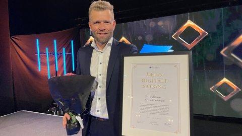 Redaktør og daglig leder i Gjesdalbuen, Eugen Hammer, mottok prisen under fredagens utdeling i Oslo.