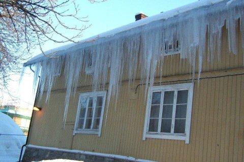 Blir taket ditt seende slik ut i løpet av vinteren, er det på høy tid å etterisolere. Foto: Sintef Byggforsk/ANB