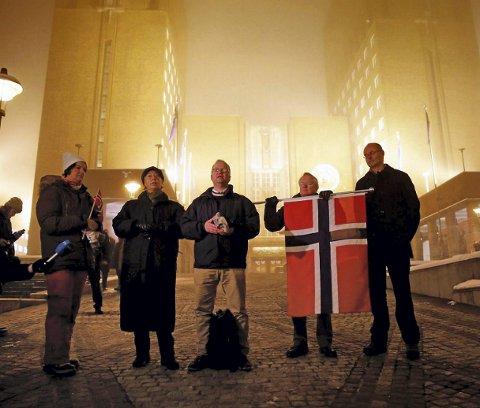 I front: Den tidligere kongsvingerkaren Max Hermansen sto i front da den første marsjen i regi av Pegida Norge ble avviklet mandag kveld. foto: Berit Roald / NTB scanpix