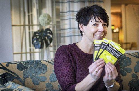 Vant: Kjersti Melby fra Flisa sikret seg gavekort på 6000 kroner etter nissejakta i Glåmdalen før jul.Foto: Ole-Johnny Myhrvold