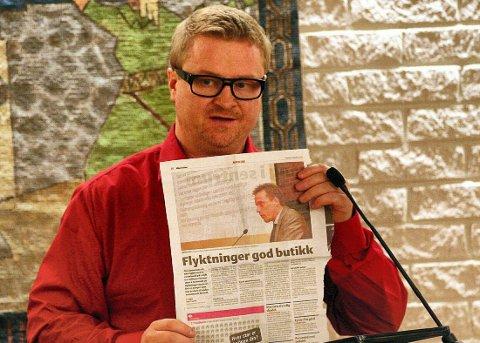 PÅ TALERSTOLEN: Asle Lorch-Falch på talerstolen i Eidskog kommunestyre. Han ble opprinnelig ble valgt inn som representant for Fremskrittspartiet. ARKIVFOTO