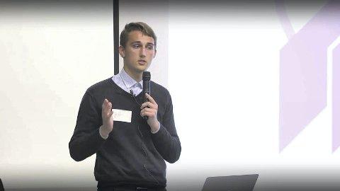 Kurs: Even Stensberg har programmerings- og designkurs for lokal ungdom.
