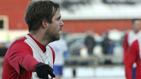 KNEPENT: Fredrik Nilsen (bildet) og FUVO reiste langt og tapte knepent for Sortland lørdag.