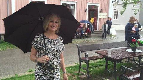 Paraplyen reddet moteshowet.