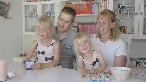 PÅ TV: Søndag kan du se Skarnes-familien Raymond Neseth, Anne Toril Brenden Neseth og barna Jenny og Marie i TV 2-programmet «Min første ferie».
