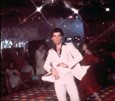 RENDY: Travolta-dansen er blitt trendy igjen, og det arrangeres kurs i mange land. Får vi se deg slik på Bastian lørdag?