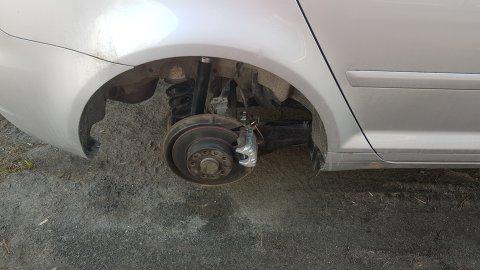Slik fant Geir Bårli bilen utenfor verkstedet tirsdag morgen.
