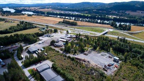 STORE PLANER: Her på Slomarka ved dagens E16 kan det komme en stor batterifabrikk.
