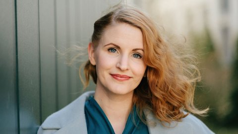 USYNLIG SYK: Ragnhild (32) var 23 da hun fikk ME-diagnosen. Nå har hun skrevet bok der hun forsøker å slå ned på fordommene. Foto: Åsmund Holien Mo