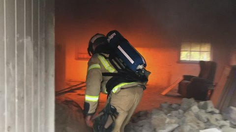 HETT: Når brannvesenet har varm røydykkerøvelse blir det varmt.