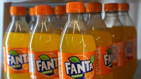 STOR FORSKJELL: Det er stor forskjell på hvor mye sukker det er i norsk versus britisk Fanta. Foto: Nina Lorvik (Mediehuset Nettavisen)