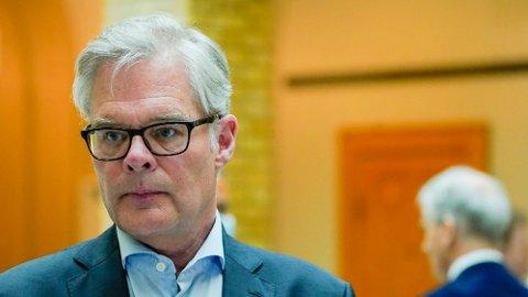 Hans Andreas Limi (Frp) har gode forhandlingskort når partene nå har halvannen måned på seg for å sikre at revidert nasjonalbudsjett bankes gjennom. Foto: Lise Åserud (NTB)