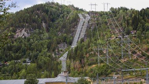 30-GANGEREN: For mange abonnenter har strømprisen steget med over 30 ganger siden juni i fjor. Foto: Lise Åserud (NTB)