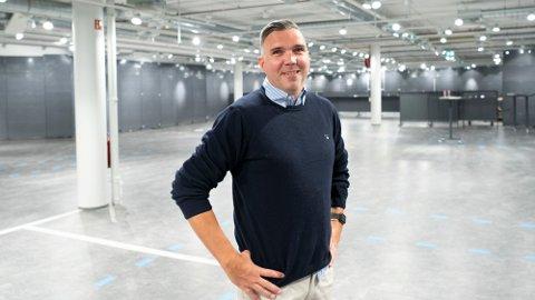 SKIFTE: Kristian Fjeld blir butikksjef i Norges første Billy-butikk etter å ha jobbet som butikksjef i Kiwi i mer enn 15 år. Foto: (Foto: Emil Weatherhead Breistien, BA.)