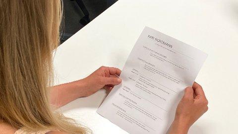 HULL I CV-EN: Har du havnet utenfor arbeidslivet en periode? Hull i CV-en kan være årsaken til at noen sliter med å få seg jobb, sier 21 prosent av arbeidsgivere som har svart på ny undersøkelse. Illustrasjonsfoto.