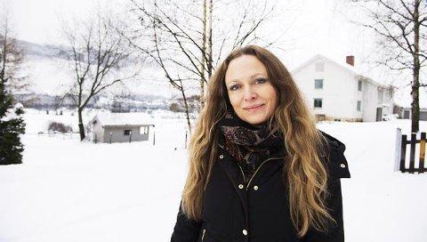 Nina Dreyer Henjum har bestemt seg for å flytte utenlands og selger både hus og innbo.