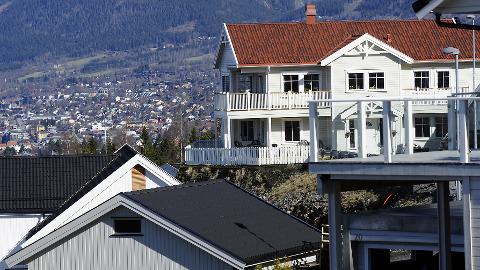 LAV RENTE: Det er billig å låne til bolig for tiden.