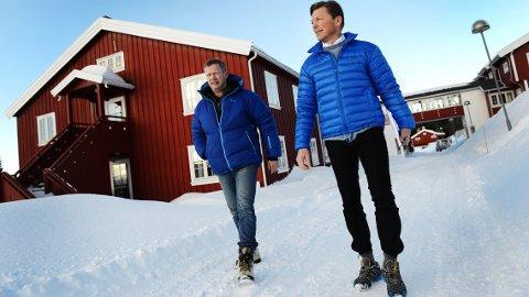 KJøper Gålå: Morten Midtskog (t.v) og Pål Egil Rønn går sammen og kjøper Gålå hotell og heisanlegg. Førstnevnte overtar hotellet, mens Rønn kjøper heisene på Gålå. Kjøpesummen er identisk med siste bud fra de to på 6,5 millioner kroner.     Foto:Einar Almehagen