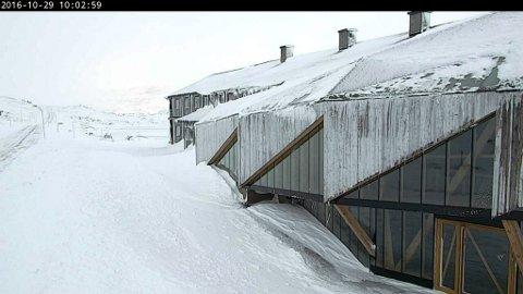 Webkameraet viser at det er full vinter ved Sognefjellshytta
