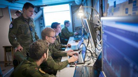 Forsvarsminister Ine Eriksen Søreide har varslet markant budsjettøkning  for Forsvarets IKT-systemer . Det kan bli godt nytt for Jørstadmoen.