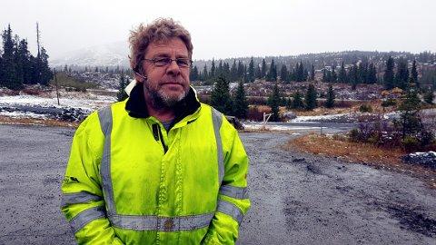 Ivar Rusten på Skei er optimistisk med tanke på framtiden, og tror at folk vil vende tilbake til hyttene sine så snart korona-situasjonen roer seg.