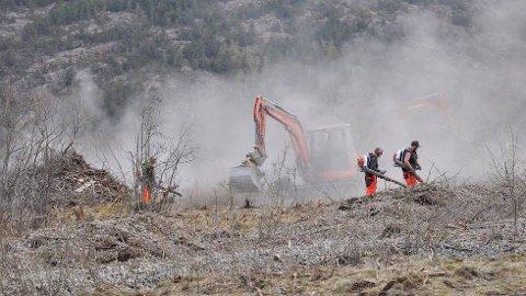 Skogen Entreprør har samlet 3.000 kubikk med glasopor etter flommen i 2018. Nå selger de det videre.