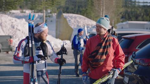 Herman og Mathias (spilt av Torjus Tveiten og Jørgen Evensen) skal gå Birken med nytt og gammelt utstyr.