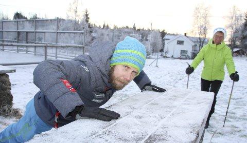 TRENINGSPARK: Stian og Bente Godli i MS-foreningen Hadeland vil starte treningspark på Grua.