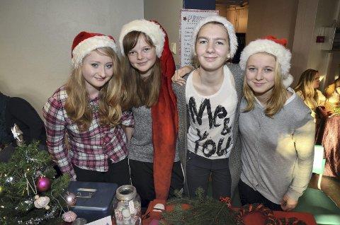 Juleboden: Hvis du mangler julepynt, kan denne gjengen hjelpe deg. Fra venstre Juliane Fossheim, Mari Volden, Idunn Marthinsen og Renate Holm Reinli.