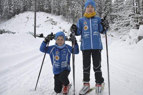 UT PÅ TUR: Brødrene Emund (7) og Imre (9) Tørstad Skorem legger ut på tur på Mylla søndag.