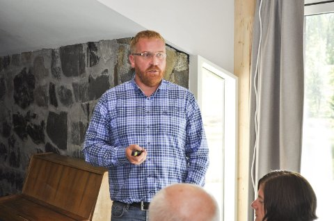 VIL VITE MER: Grunnskoleleder Henning Antonsen vil ha direkte dialog med foreldrene om eventuell misnøye ved skolen.