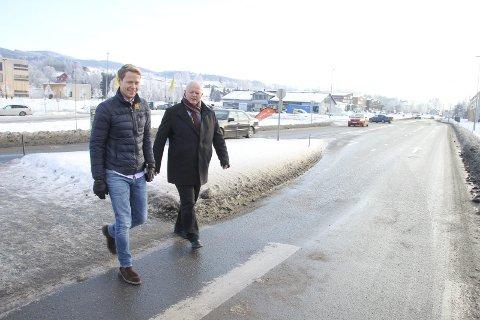 DET LOBBES: Lunner-ordfører Harald Tyrdal (Ap) og Gran-ordfører Knut Lehre (Ap) er blant dem som jobber for andre bomløsninger på Hadeland.