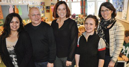 PROSJEKTGRUPPA: Denne gjengen jobber med Klar-prosjektet på Fagerlund skole. Fra venstre. Leslie Esteva (barnevernet), Geir Thrana (PP-tjenesten), Jorunn Søyland (prosjektleder), Randi Kostøl (rektor) og Merete Frostad Moen (helsesøster).
