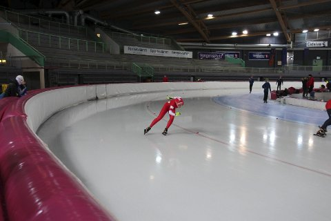 PERS: Amalie Berg fra Jevnaker var en av mange lokale skøyteløpere som satte flere personlige rekorder.
