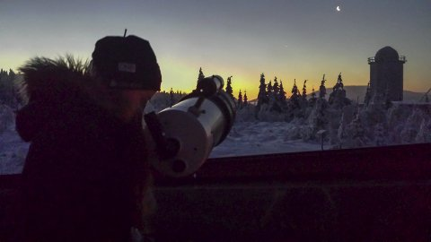 SIKT MOT STJERNENE: Dersom været tillater det, blir det mulighet for stjernekikking. Foto: Privat