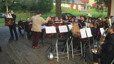 Christoffer Storsletten fra Gjøvik spiller soloeufoium med Jaren Hornmusikkforening.