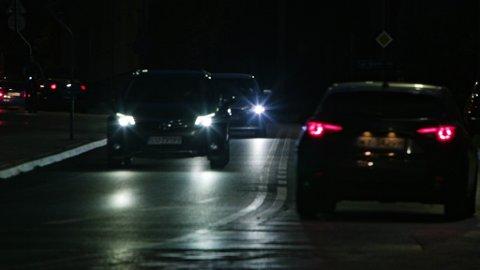IKKE GODKJENT: En betydelig andel av den norske bilparken har feil ved lysene når de kommer til EU-kontroll, viser nye tall.