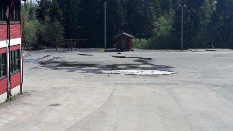 NESTEN BORTE: Mandag 14. mai var det fortsatt litt is igjen.