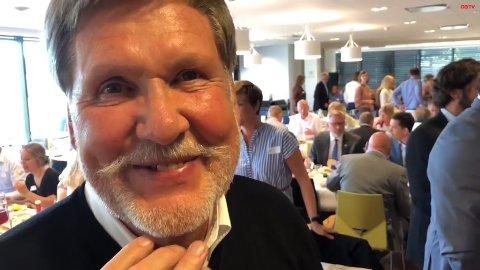 HEDRET: Ivar Ringen fikk Kongens fortjenstmedalje for nesten 50 års arbeid for trafikksikkerhet.