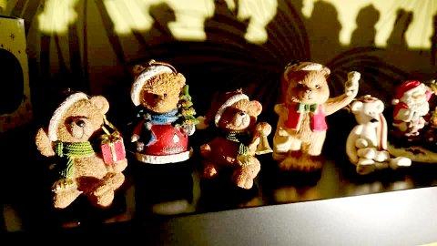 Julenisser i bamseform.