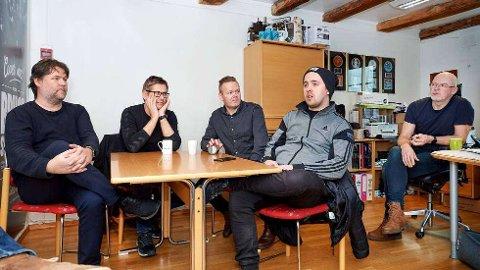 TRYKKET STEMNING:Musikkbransjen er bekymra for konsekvensene av avlysningene i månedene framover. Fra venstre: Eskil Brøndbo, Thomas Brøndbo, Ronny Grannes, Lars Kristian Mathisen og Eivind Berre.